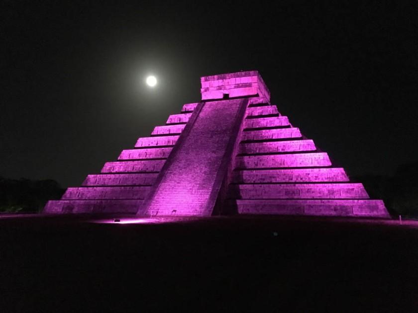 El Castillo (the main pyramid) after dark, at Chichen Itzá.  Yucatan, Mexico.