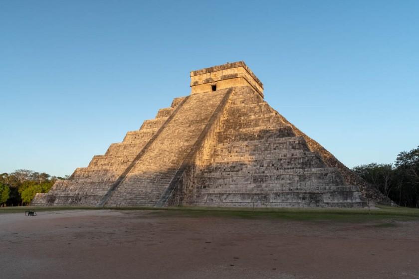 El Castillo (the main pyramid) at Chichen Itzá.  Yucatan, Mexico.
